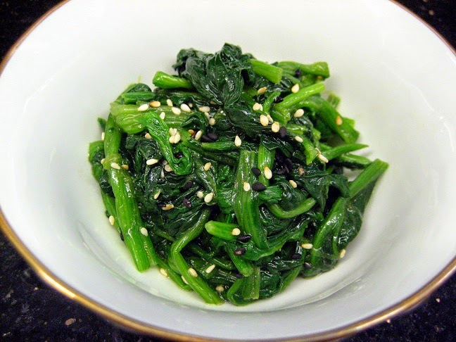 The Hungry Bunny: Sigeumchi Namul (Seasoned Spinach)