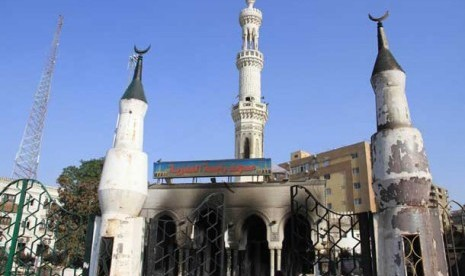 Konflik Mesir Kian Berdarah, Polisi Serbu Masjid
