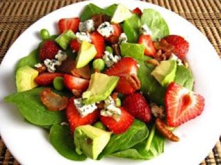 Ensaladas saludables de frutas y verduras