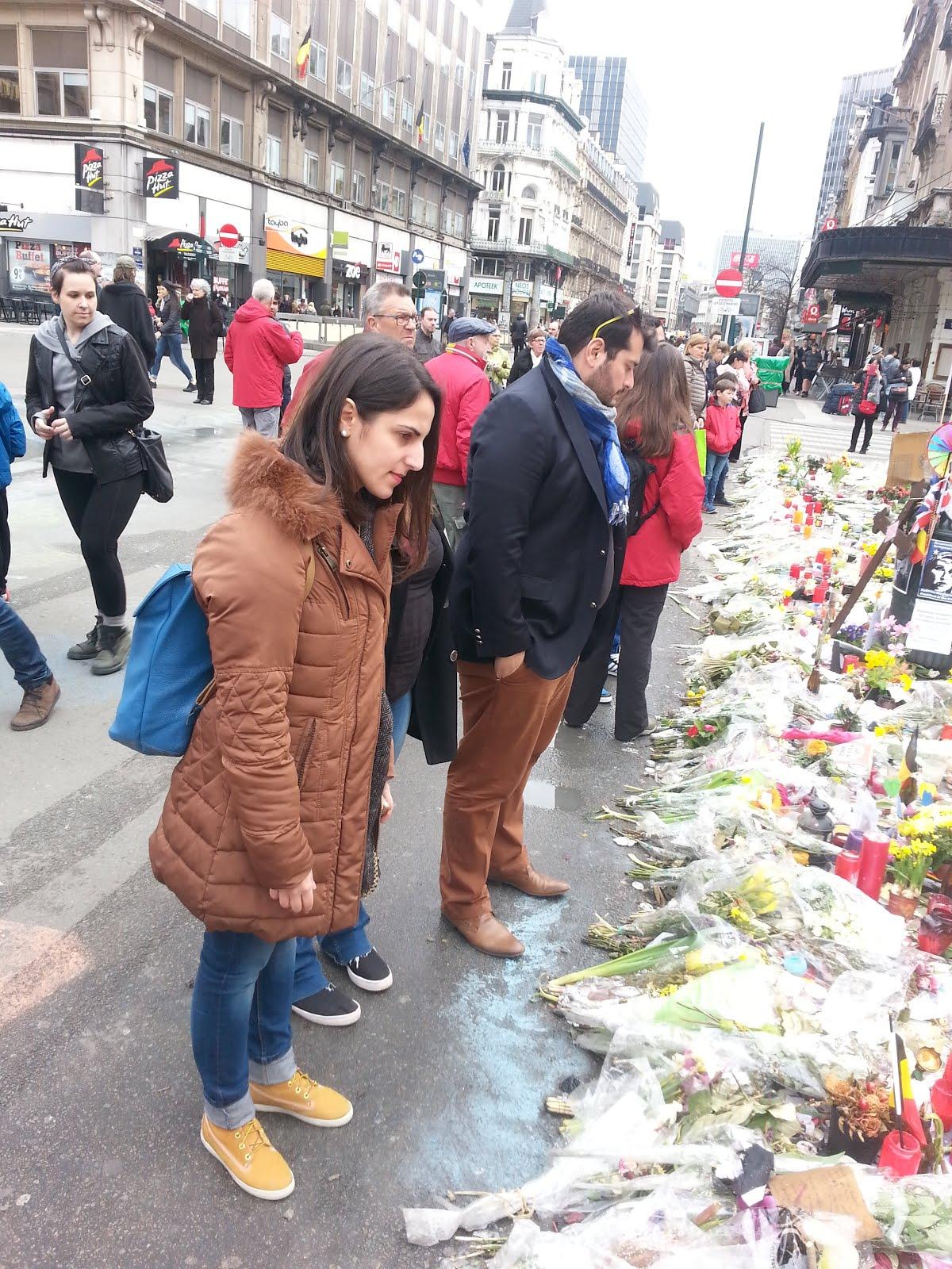 οι νεοι του ποταμιου αποτιουμε φορο τιμης στα θυματα της τρομοκρατιας