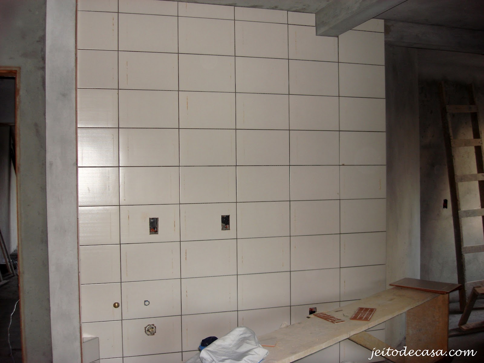 Aqui uma foto que tirei em uma obra de uma pequena construtora para o  #294164 1600x1200 Azulejos Para Banheiro Branco E Preto