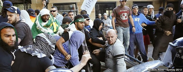 http://1.bp.blogspot.com/-FMo2YsH85yI/U5wdJ86L8FI/AAAAAAADD-g/dgVxxNDsEKE/s1600/muslim-riots-2012.jpg