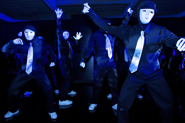 Now here's where the technology that George Lucas utilizes to fuck up his first three Star Wars movies would actually be useful. Get someone to replace the dancers in the Buck Rogers 'Space Rockers' episode with America's Best Dance Crew champions like the Jabbawockeez.