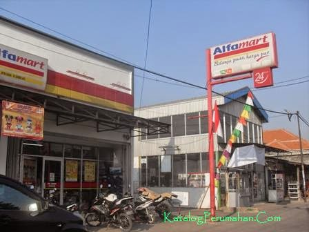 Mini market di jalan umum GPSI