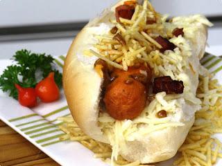 Hot dog com queijo e goiabada