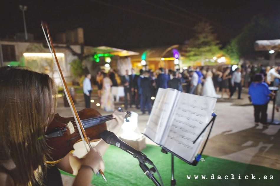 violinista en restaurante carlos de elche
