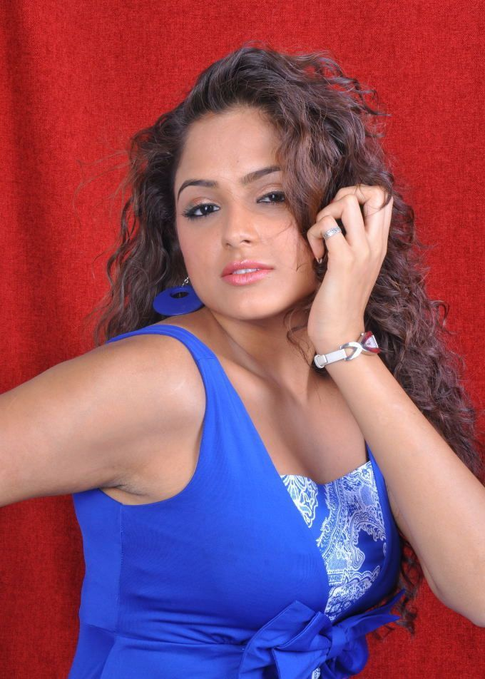 South indian chick asmita sood spicy photoshoot actress for Amisha indian cuisine