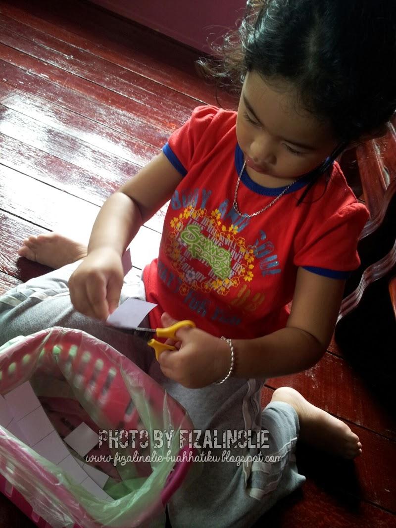 Aktiviti Homeschool Alia dan Ain