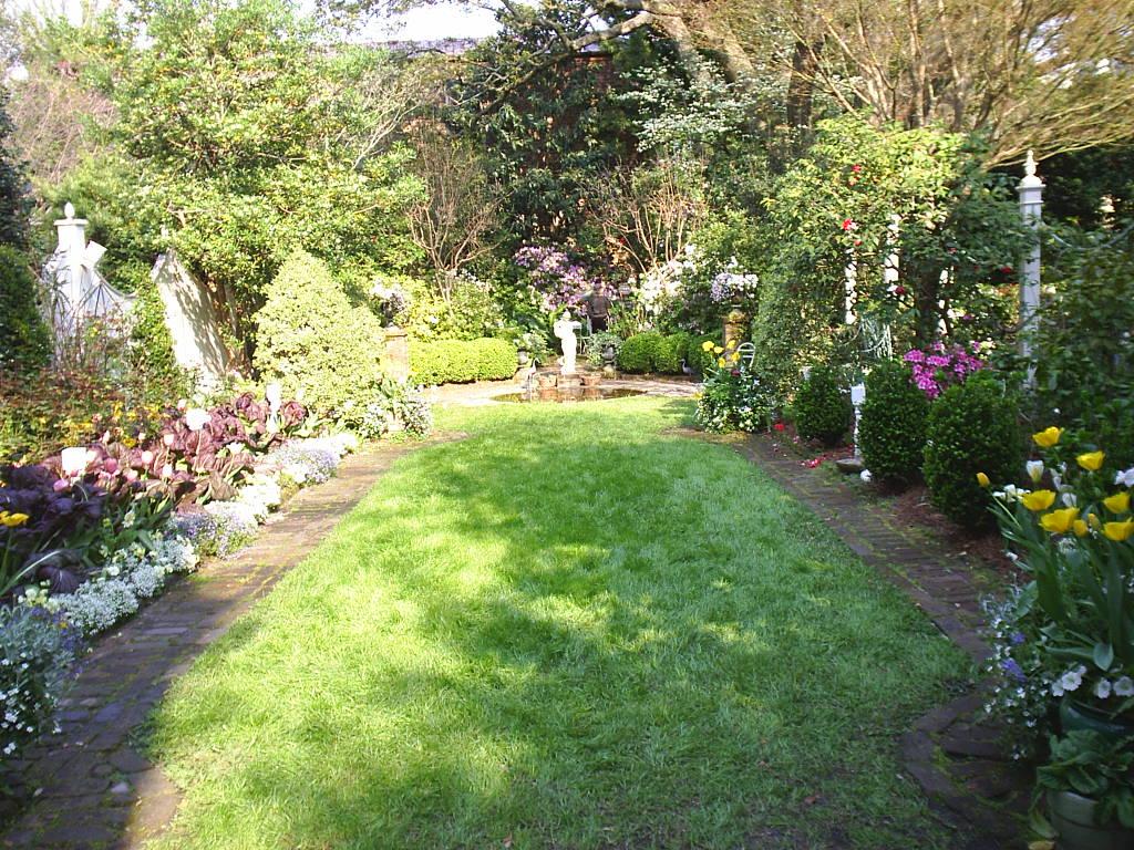 Dream Gardens On Pinterest Charleston Gardens Seed