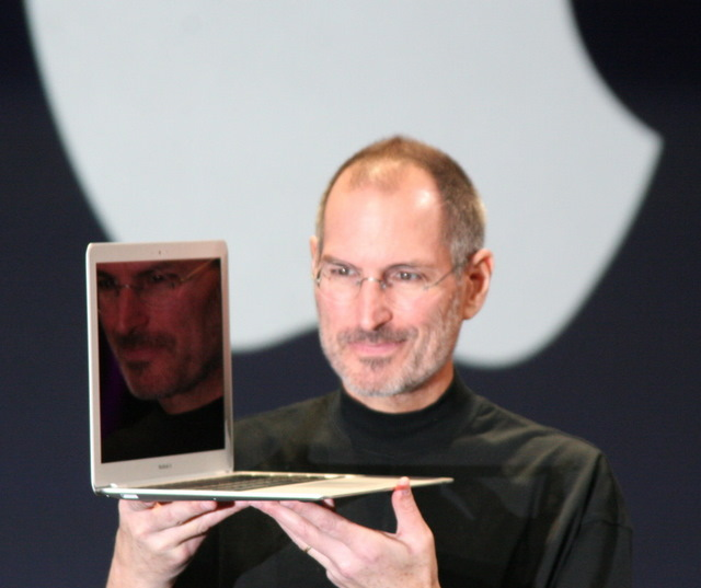 Steve Jobs apresenta o Macbook Air