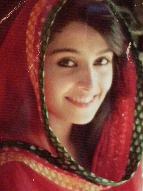 Pakistani Model Ayeza Khan New Picture From An Upcoming Telefilm