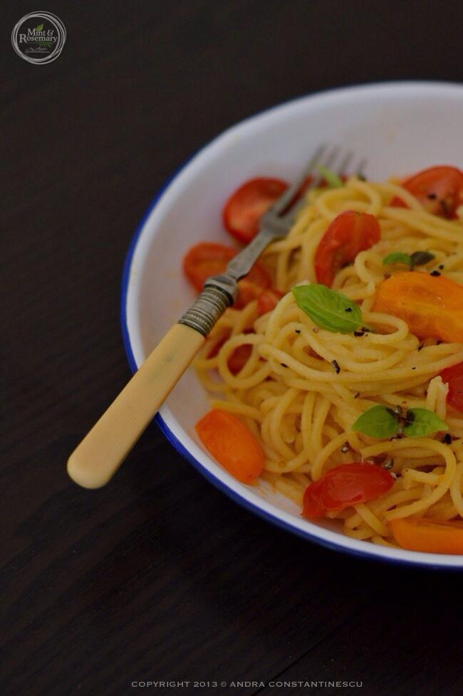 spaghetti al pomodoro e basilico