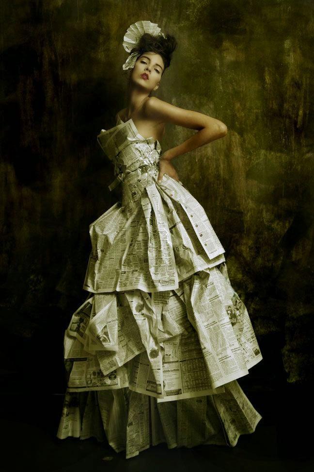 por lo que vamos a comenzar con moda elaborada con papel de periódico