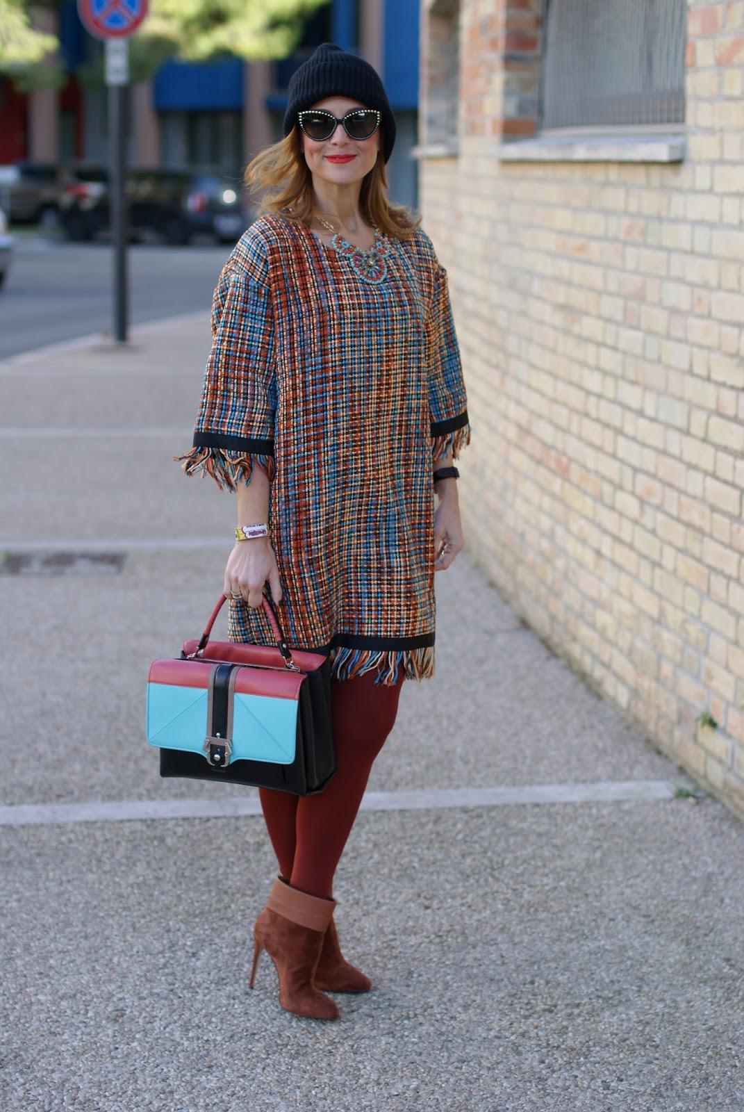 Vogos Gigi dress, Le Silla ankle boots and Paula Cademartori Faye bag on Fashion and Cookies fashion blog, fashion blogger style