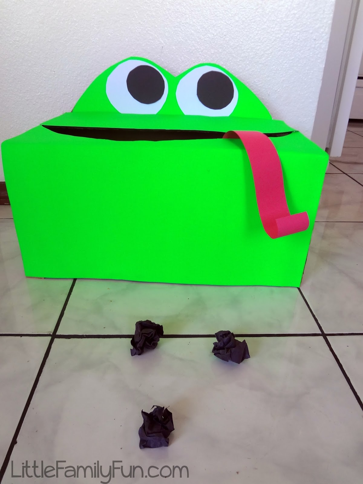 little family fun frog toss game for kids