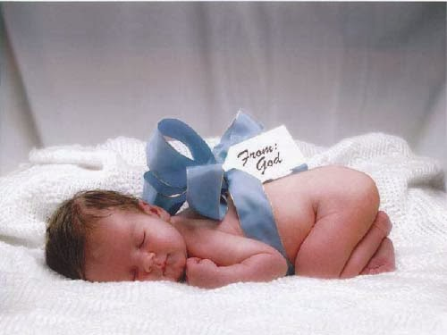 Alasan Ilmiah Mengapa Azan Baik Bagi Otak Bayi