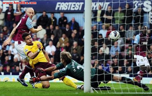 Hasil Pertandingan West Ham vs Arsenal 1-3, 6 Oktober 2012