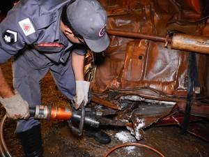 Homem morre em colisão e drogas são encontradas no carro na BR-262 em Araxá