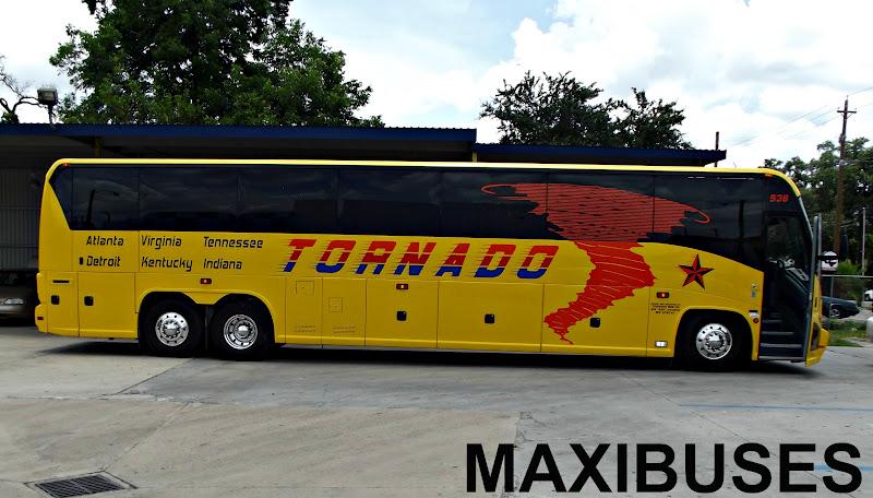 2 reviews of Tornado Bus Company