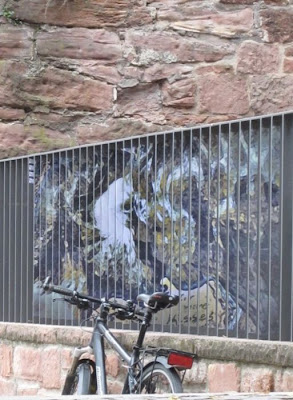 interesting outdoor illusion painted
