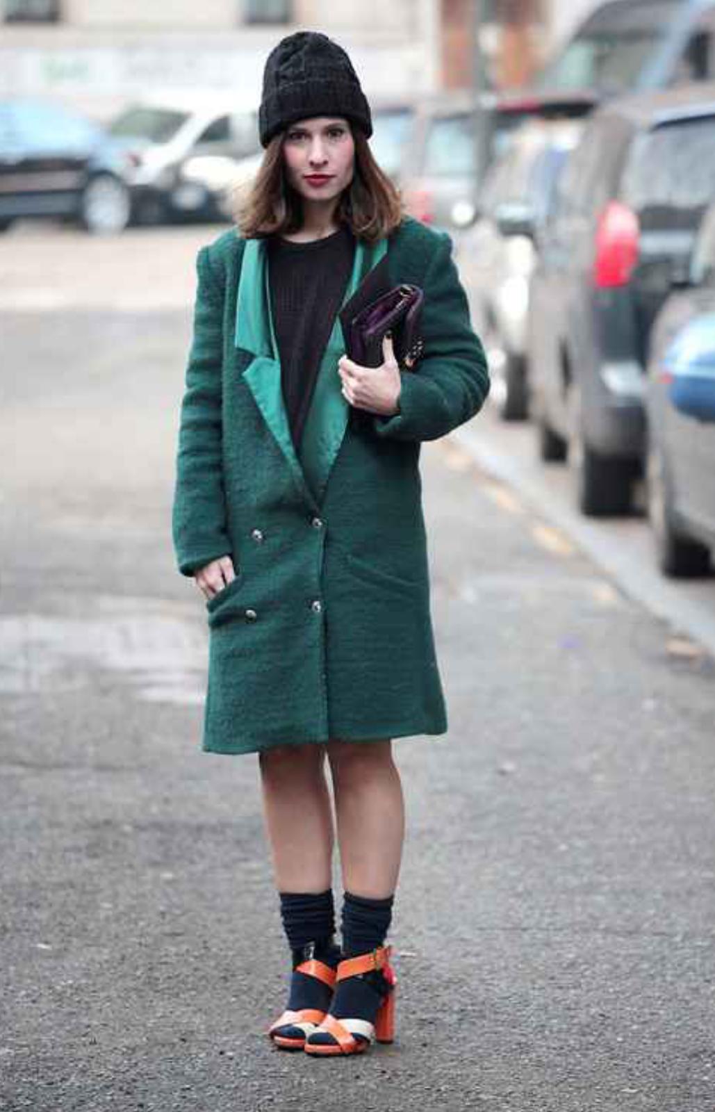 Abrigo estilo másculino en verde