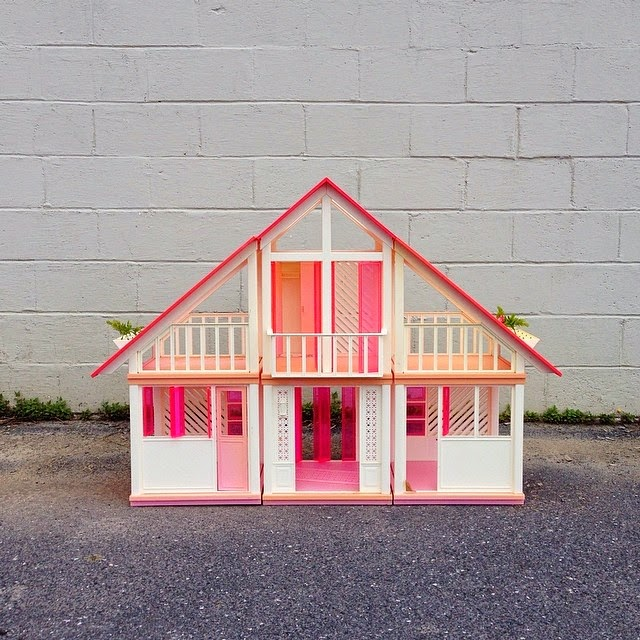 #thriftscorethursday Week 26 | Instagram user: mikasasucasa shows off this adorable vintage dollhouse