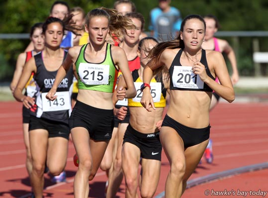 Amelia Mazza-Downie (201) from Athletics Essensdon, won the 3000m New Zealand Junior Championships, women - Athletics action from the Potts Track and Field Classic, at the Hawke's Bay Regional Sports Park in Hastings. photograph