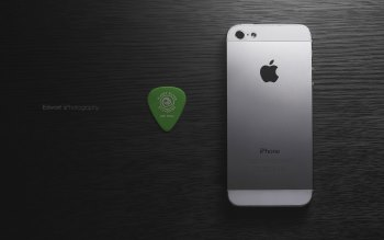 iPhone 5 and Planet Waves