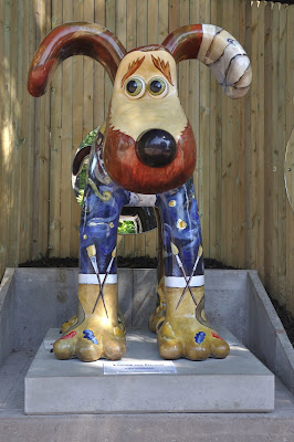 Vincent Van Gromit (front view)