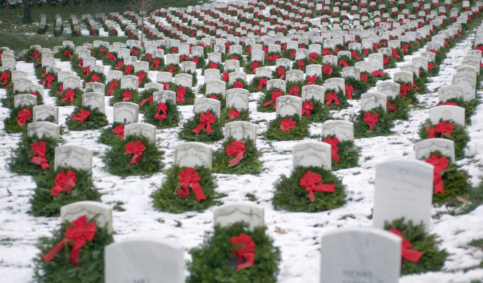 Christmas wreaths Arlington National Cemetery