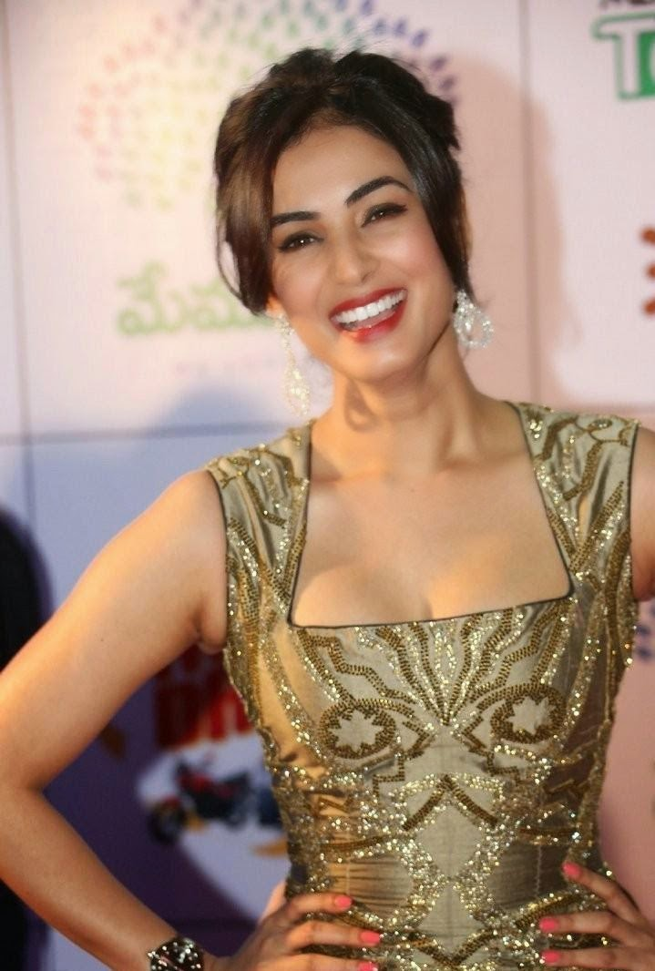 Sonal Chauhan's fit body