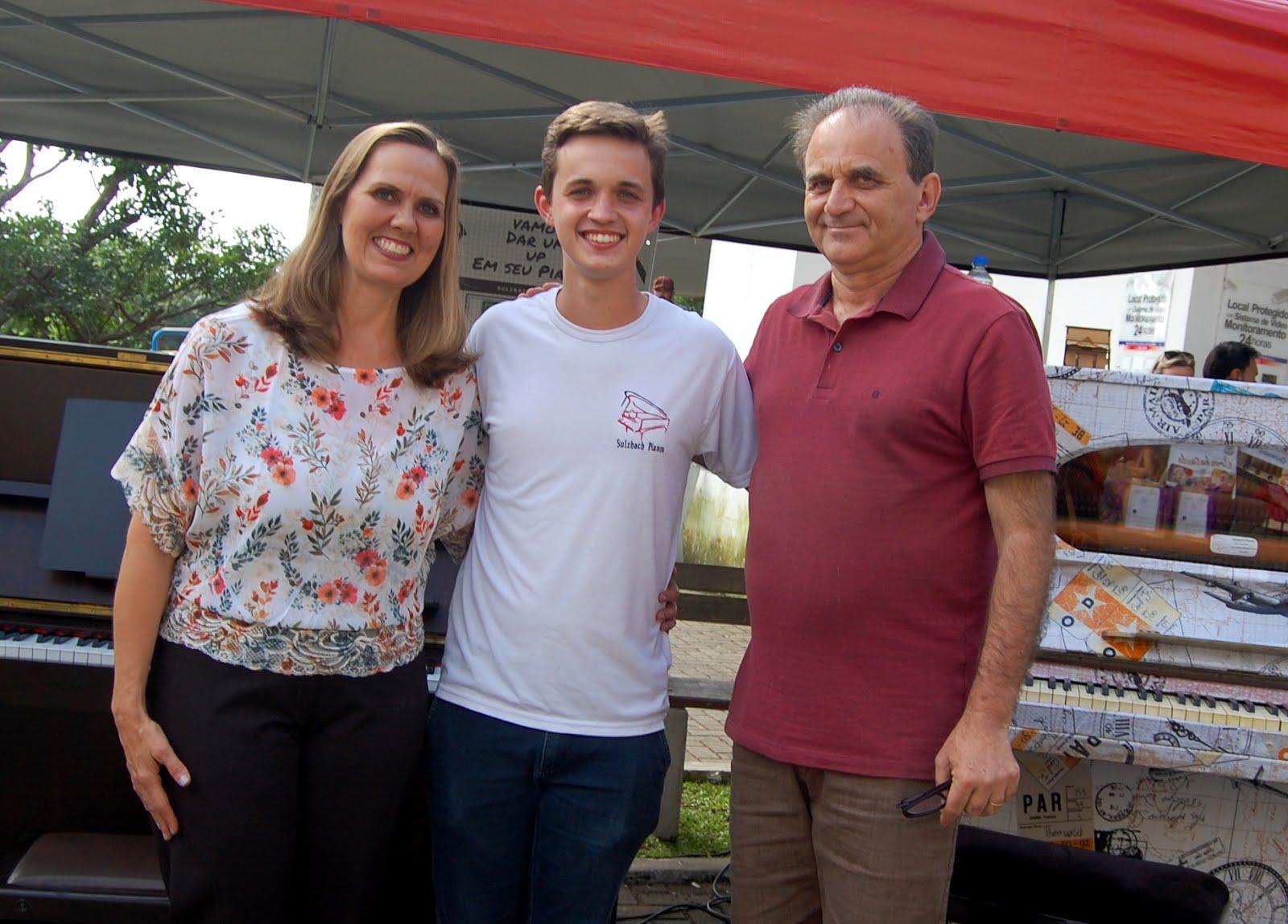 Airton Engster dos Santos, Kimberley Nelson e Arthur Sulzbach