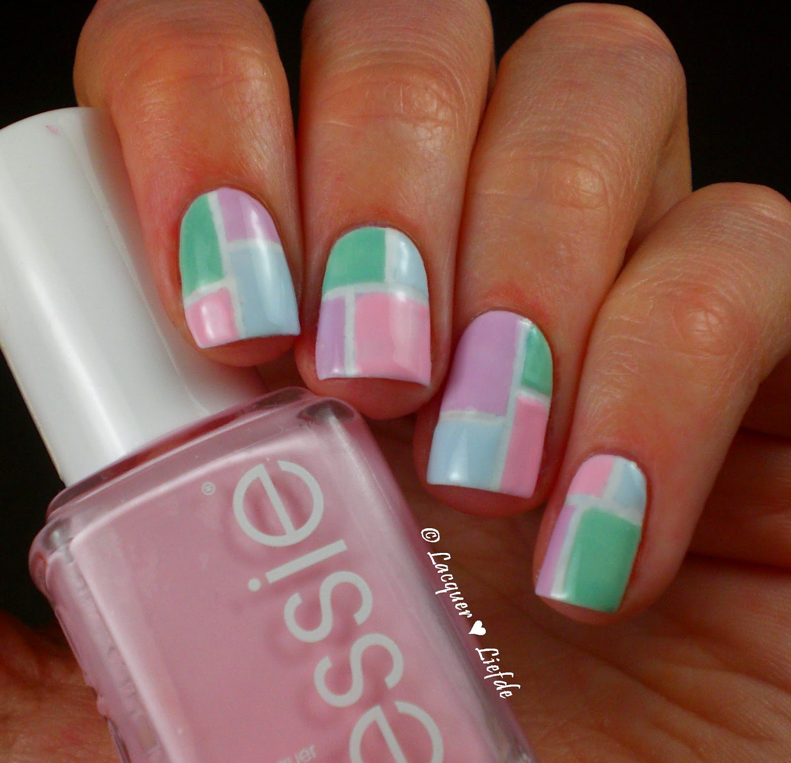 Essie Frühling Striping Design