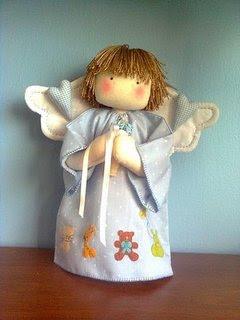 Haz clic aquí para hacer este lindo angelito de tela