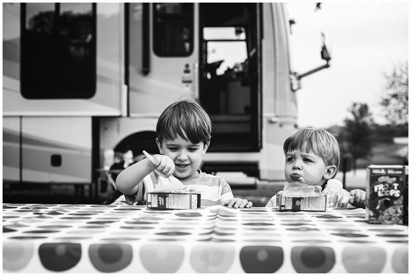 camping, family vacation, jen faith brown photography, family photography, storytelling photography, grapevine texas, breakfast, cereal, dog,  vineyard campgrounds, children photography