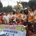 Lions Club Bakti Sosial, Petugas Kebersihan dan PPSU Dibagi Makanan