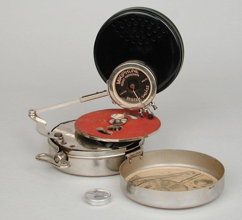 retro vintage modern hi-fi: Mikiphone Pocket Phonograph