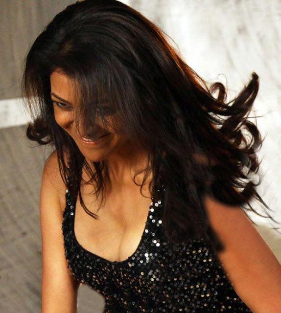 Kajal Agarwal stills in black dress Kajal_Agarwal+gorgeous+stills