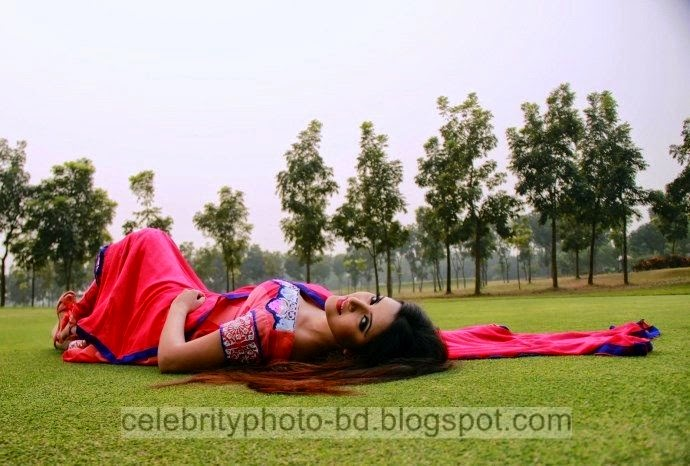 Top+New+Bangladeshi+Model+and+Actress+Pori+Moni's+Latest+Photos+and+Wallpapers002