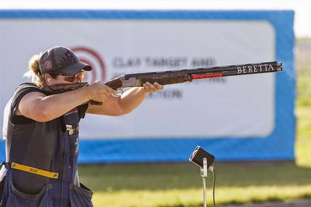 Kimberly Rhode, 3 vezes campeã olímpica, vence o Skeet no Cazaquistão - Tiro Esportivo - Foto: ISSF/Reprodução