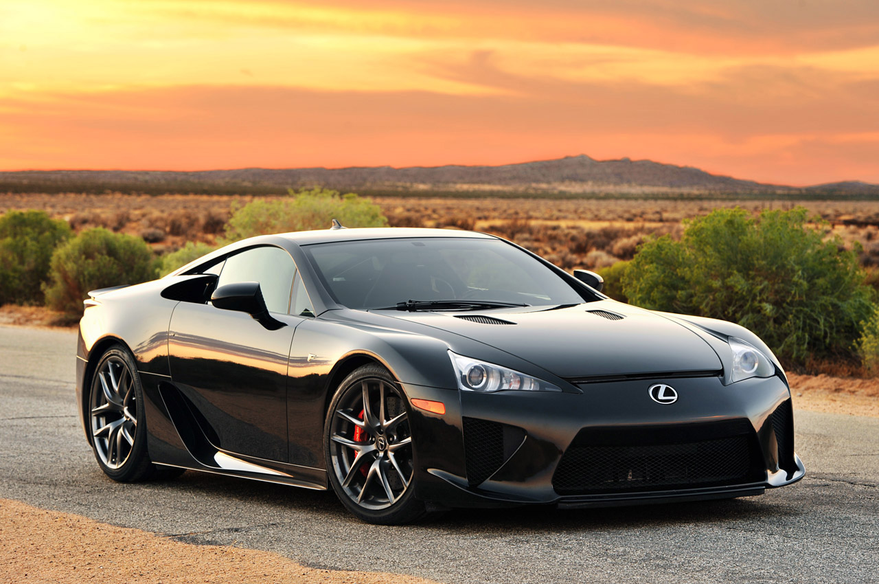 2012 lexus lfa first drive informations otomotif. Black Bedroom Furniture Sets. Home Design Ideas