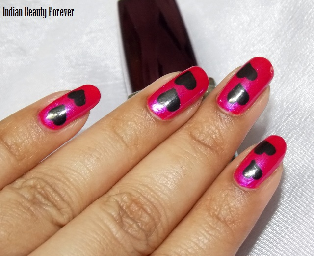 Pink and Gold hearts manicure