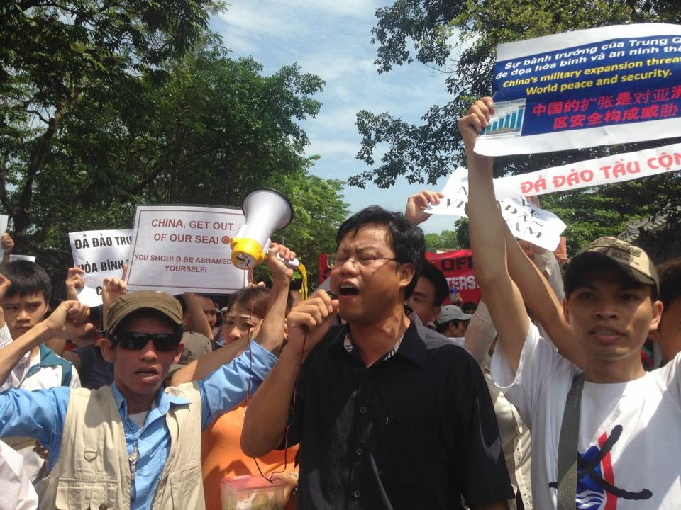 Hn17 danlambao 11.5 Thousands Vietnamese Patriots Protest Against Chinas Aggression