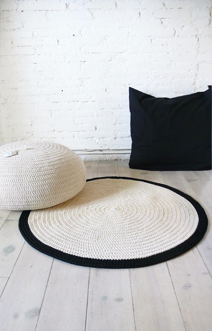black&white pouf  and rug crochet