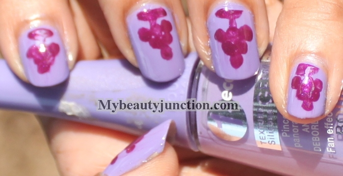 Swatch and review of Bourjois 09 Lavande Esquisse One Second Nail Enamel
