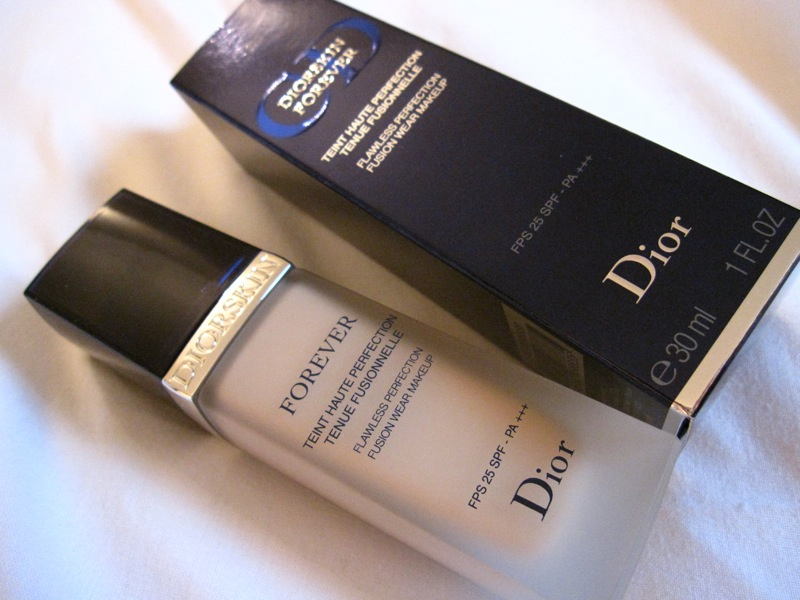rouge deluxe dior diorskin forever fluid foundation. Black Bedroom Furniture Sets. Home Design Ideas