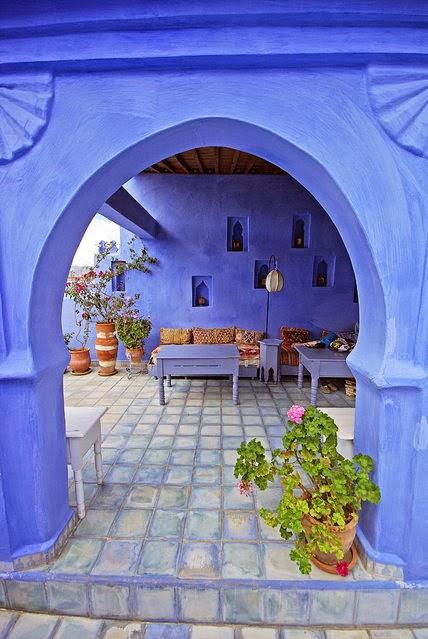 pueblo pintado de azul