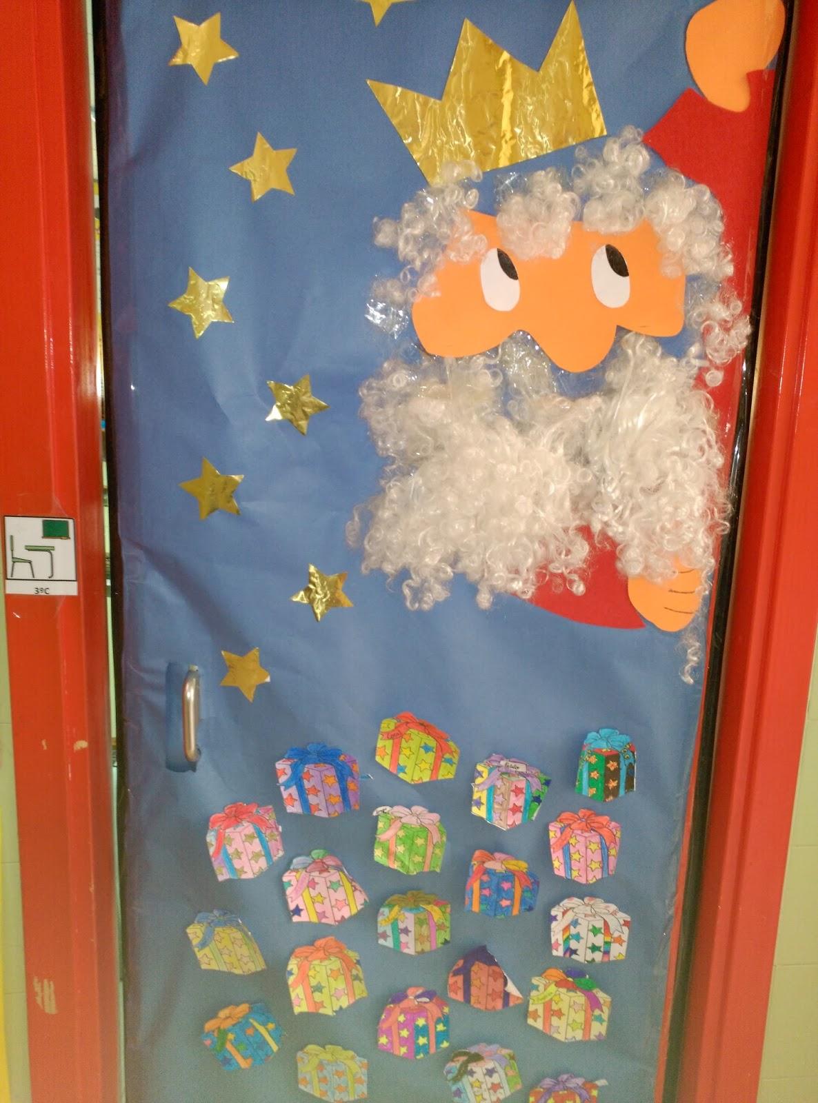 Blog de tercero los arqueros decoraci n de puertas for Puertas decoradas enero