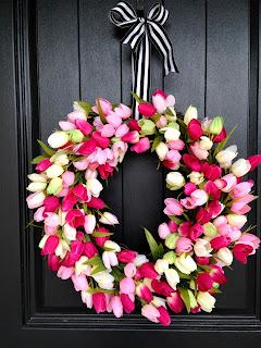 beautiful diy tulip spring wreath