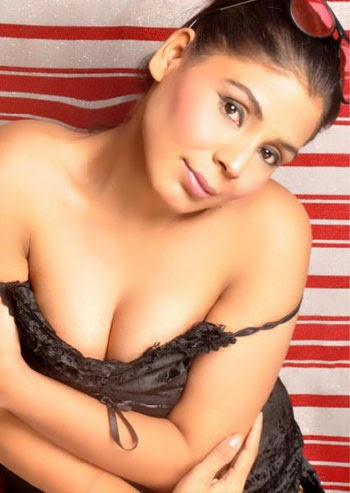 yousra-Hot-Pakistani-escort-Girls-in-dubai